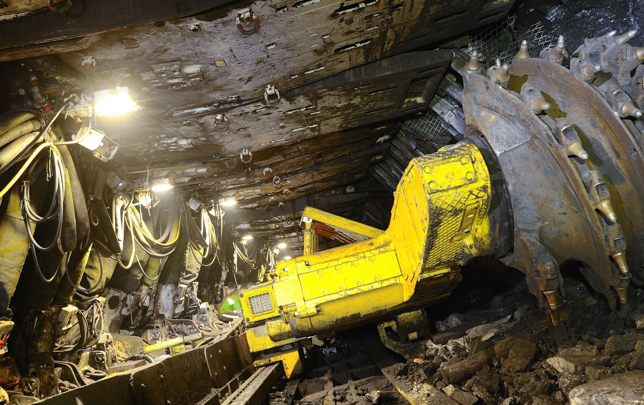 http://mining24.ru/wp-content/uploads/2011/06/rabota-na-shahte-sibirginskaya-priostanovlena.jpg