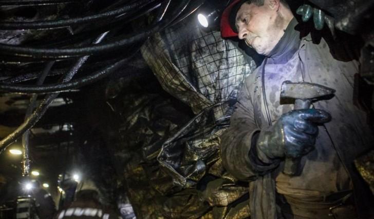 В Карагандинской области в результате обвала на шахте погибло два человека