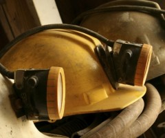 МЧС проводит эвакуацию персонала шахты Комсомолец