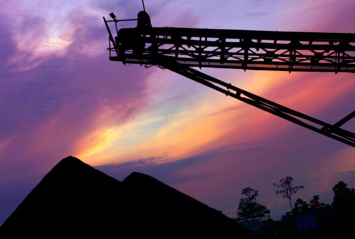 Взрыв в китайской шахте унес жизни 17 человек