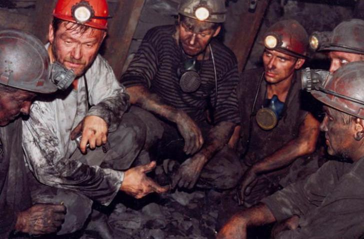 50 рабочих эвакуированы из шахты Колмогоровская-2 где произошло задымление