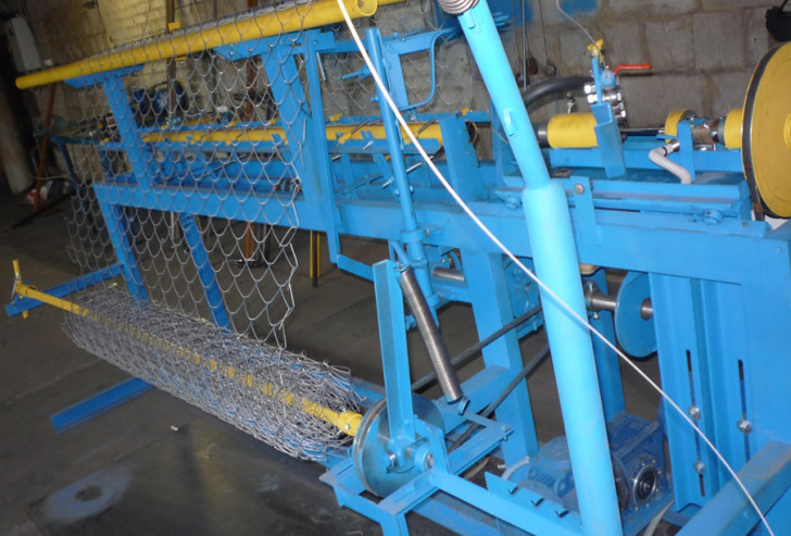 Станок для изготовления сетки-рабицы АСУ 174 преимущества и характеристики