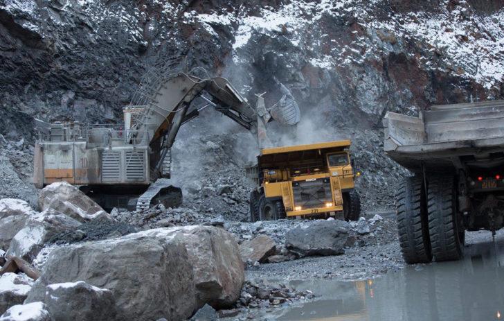 Работа вахтой на добыче золота Многовершинное входит в Руссдрагмет  Highland Gold