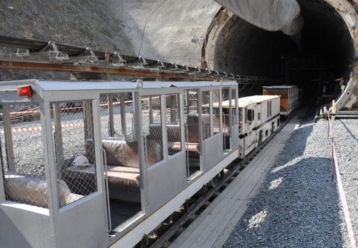 Работа в Охотской горно-геологической компании входит в Полиметалл срочные вакансии