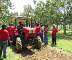 Белорусские тракторы осваивают заморские земли