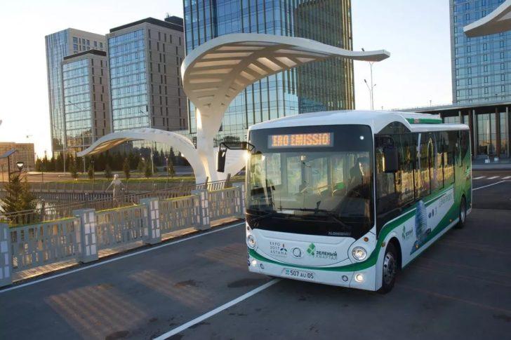 Зеленый электроавтобус в Зеленом квартале
