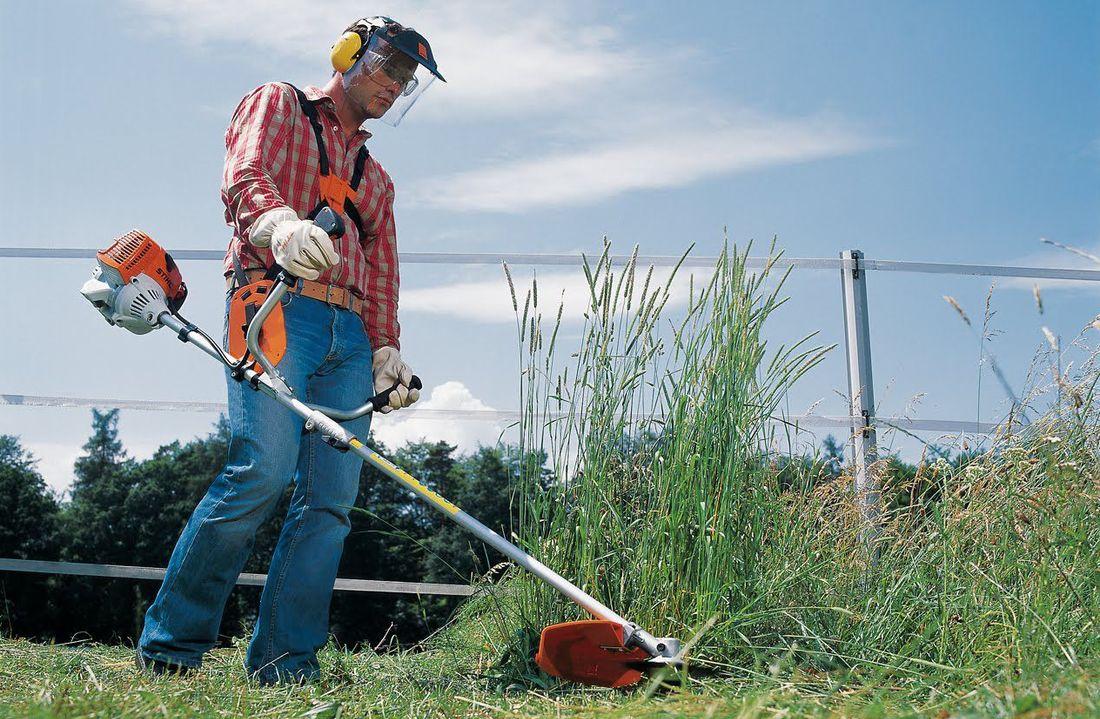 Покос травы триммеры