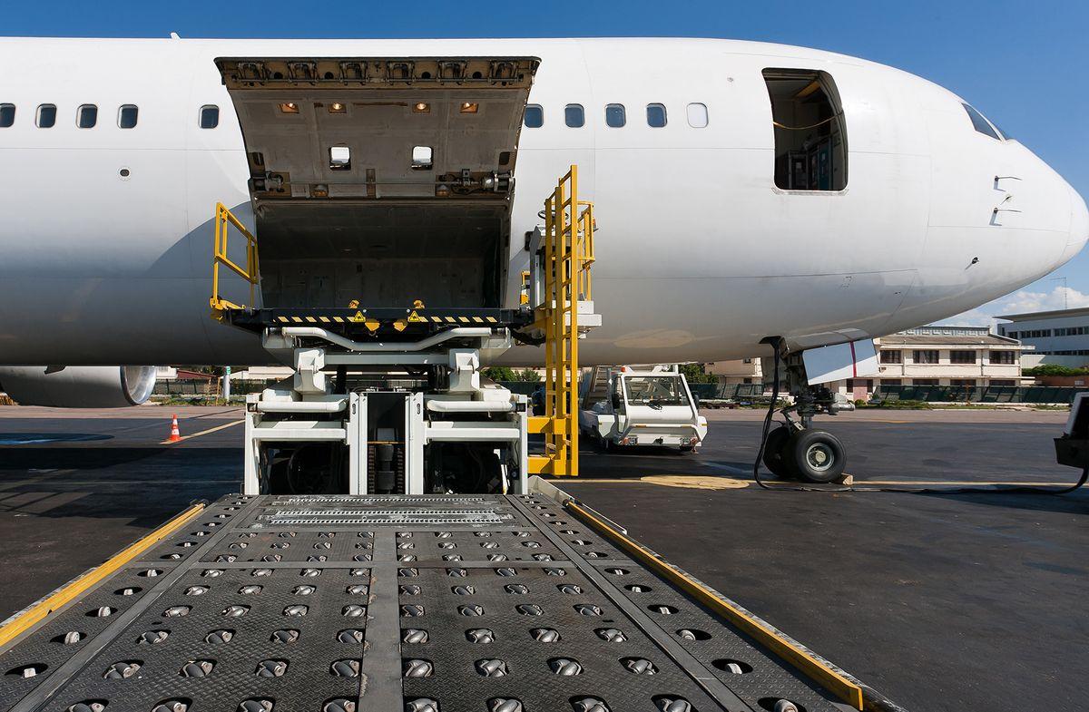 Как провести авиаперевозку груза