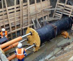 Продавливание защитных футляров способами бестраншейного строительства