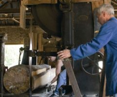 Деревообработка производители оборудования интересуются мнением работников отрасли