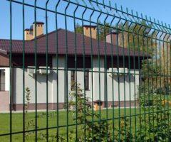 Панельный забор из прутьев